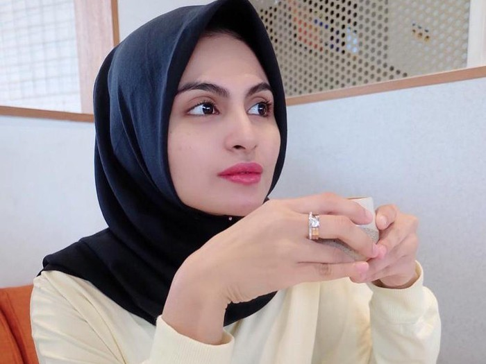 Asha Shara gugat cerai suami