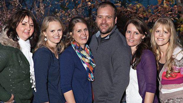 Kehidupan poligami Brady Williams bersama lima istri.