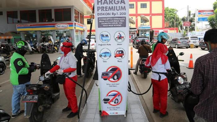Di Kabupaten Serang mulai Sabtu (14/11) terdapat 8 SPBU dan Kota Cilegon mulai Minggu (15/11) ada 2 SPBU Pertamina yang melayani promo Pertalite harga khusus.