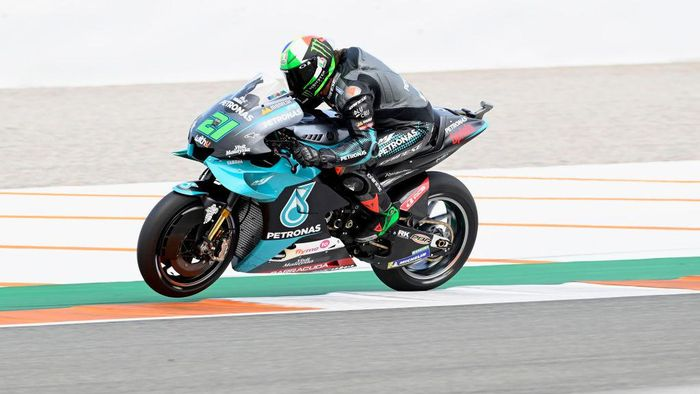 VALENCIA, SPAIN - NOVEMBER 13: Franco Morbidelli of Italy and Petronas Yamaha SRT  heads down a straight during the free practice for the MotoGP of Comunitat Valenciana at Comunitat Valenciana Ricardo Tormo Circuit on November 13, 2020 in Valencia, Spain. (Photo by Mirco Lazzari gp/Getty Images)