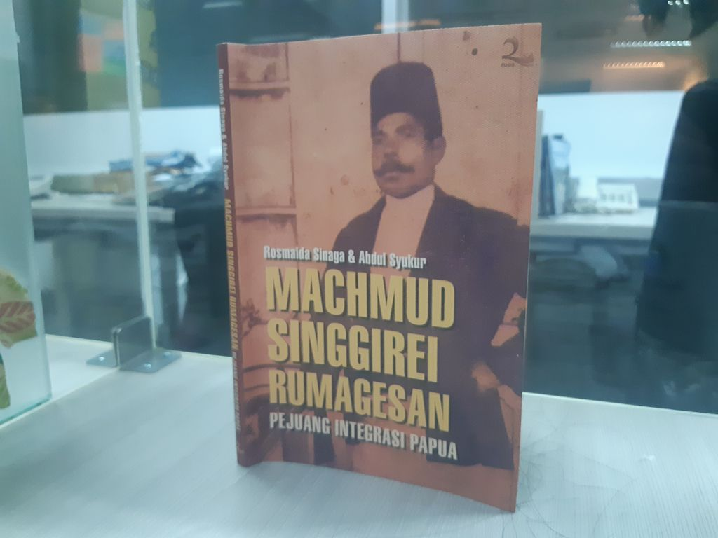 Machmud Singgirei Rumagesan (Sumber: Buku Rosmaida Sinada dan Abdul Syukur)