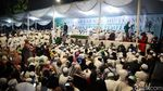 Habib Rizieq Bermasker dan Face Shield di Acara Maulid-Pernikahan Putrinya