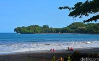 Walau begitu, ternyata ada wisatawan yang mengeluhkan susahnya akses menuju ke pantai karena lokasinya yang jauh (Faizal Amiruddin/detikTravel)