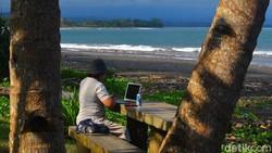 Pantai Pangandaran Diklaim Mampu Pulihkan Ekonomi Jawa Barat