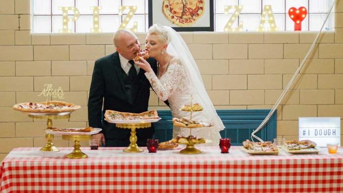 Pernikahan Unik Bertema Pizza