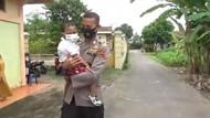 Kisah Polisi di Jambi Rela Jadi Pengajar Anak Berkebutuhan Khusus