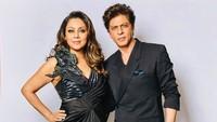 Shah Rukh Khan Jalani Ramadan dengan Istri Hindu, Ini Kisah Pernikahannya