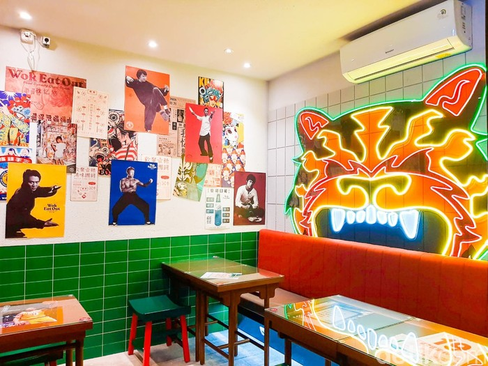 Wok Eat Out: resto china bernuansa vintage di Cipete