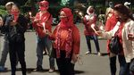 Laskar Nikita Mirzani Bikin Aksi Dukungan, Diusir karena Tak Izin