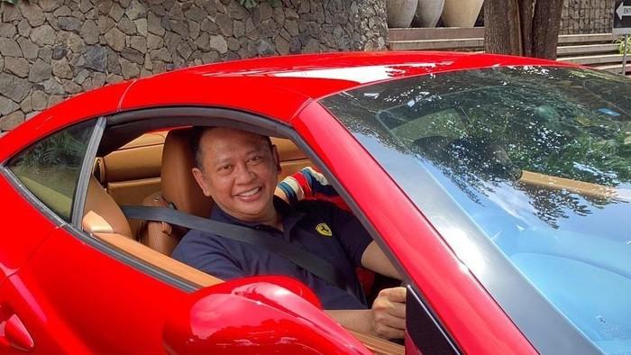 Persaingan kursi calon Ketum Umum (Caketum) IMI Pusat 2021-2024 kini berubah. Awalnya hanya diisi dua nama. Ketua Umum IMI Pusat, Sadikin Aksa sebagai calon terkuat karena sudah didukung 28 IMI Provinsi dan Komandan Diklat TNI-AD, Letnan Jenderal TNI AM Putranto yang juga ikut dalam persaingan.