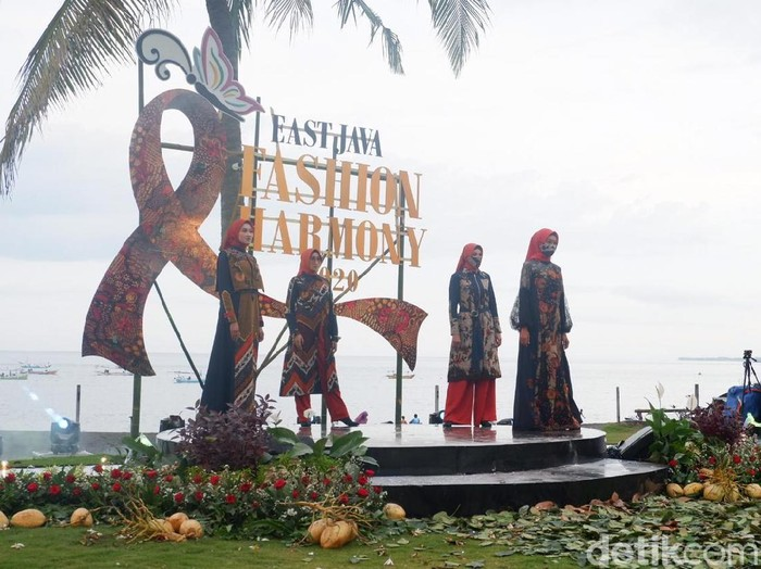 Bangkitkan Karya Desain Busana Lewat East Java Fashion Harmony 2020 Selama Pandemi COVID-19
