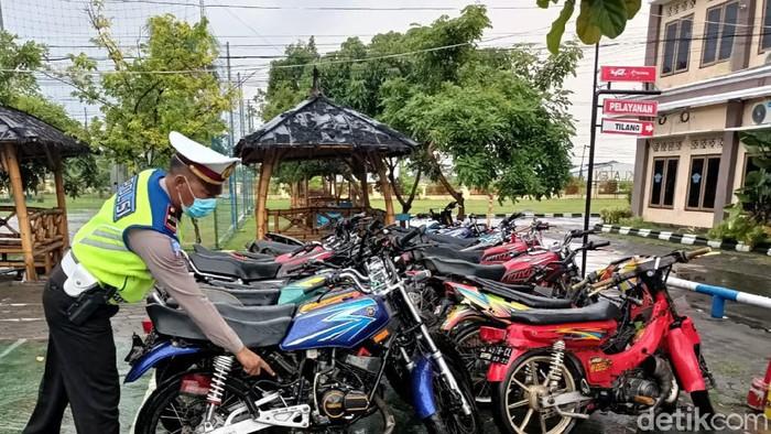 Belasan sepeda motor yang diamankan gegara berknalpot brong di Klaten