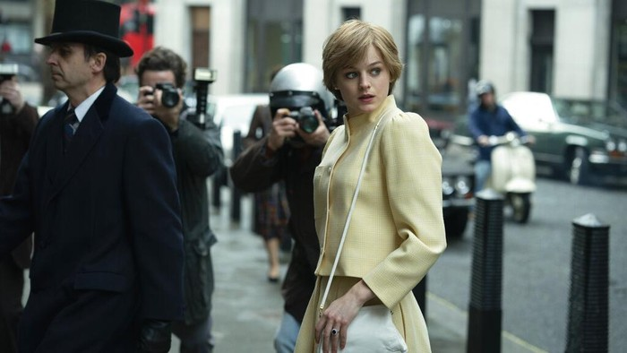 This combination photo shows Emma Corrin portraying Diana Spencer in the fourth season of the Netflix series The Crown, left, and actress Elizabeth Debicki, who will take over the role for the remaining seasons. (Netflix via AP, left, and AP Photo)