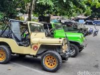 Salah satu upaya yang dilakukan oleh operator jip untuk bisa menggaet wisatawan adalah mengubah jalur. Lokasinya itu di luar radius bahaya, yakni 5 kilometer dari kawah Gunung Merapi, seperti direkomendasikan oleh BPPTKG.