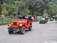 Kini, dengan berubahnya status Gunung Merapi, wisatawan pun menjadi semakin sepi.