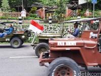 Jumlah wisatawan turun drastis saat ini, turun sekitar 60-70 persen turunnya. Apalagi menghadapi COVOD-19 sekarang ada Merapi, kata Dardiri saat dihubungi wartawan, Minggu (15/11/2020).