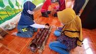 Keseruan Anak-anak Main Dolanan Tradisional di Tengah Gempuran Gadget