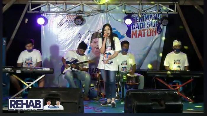 Konser virtual kampanye dari paslon pilkada Rembang Harno-Bayu