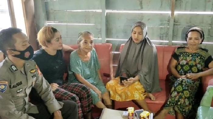 Penyebar video nenek  Singere dipasung anak sendiri meminta maaf ke pihak keluarga.
