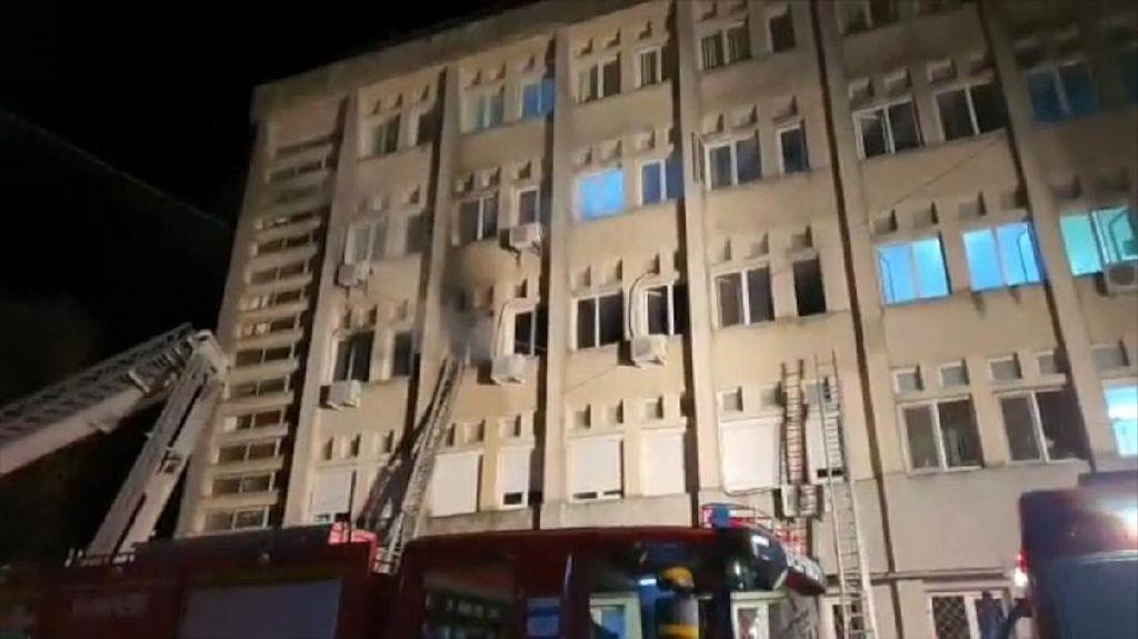 Rumah Sakit Covid-19 di Rumania Terbakar, 10 Orang Tewas