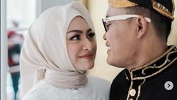7 Potret Selebriti Indonesia yang Menikah dengan Pasangan Blasteran Belanda