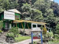 Geliat pariwisata di Sleman terutama di lereng Merapi baru akan bangkit setelah berbulan-bulan dihantam pandemi Corona. Kini, para pelaku wisata harus kembali bertahan karena sepinya wisatawan akibat peningkatan aktivitas Gunung Merapi.