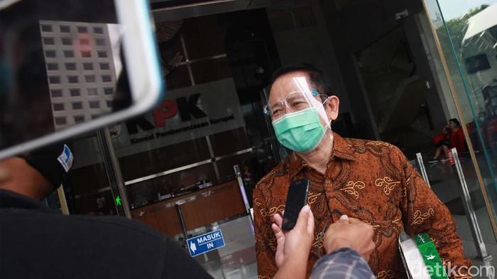 Eks Ketua DPR Marzuki Alie diperiksa KPK terkait perkara suap mantan Sekretaris MA Nurhadi. Marzuki Alie diperiksa sebagai saksi untuk Hiendra Soenjoto.