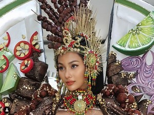 Bikin Laper, Ini Gaun Sate Ayam Wakil Indonesia di Miss Grand International