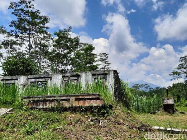 Kala itu, Padukuhan Bakalan menjadi salah satu daerah yang hancur lebur karena erupsi. Saat ini, daerah itu sudah tidak berpenghuni lagi. Daerah itu pun kini tengah diusulkan sebagai salah satu kawasan cagar alam.