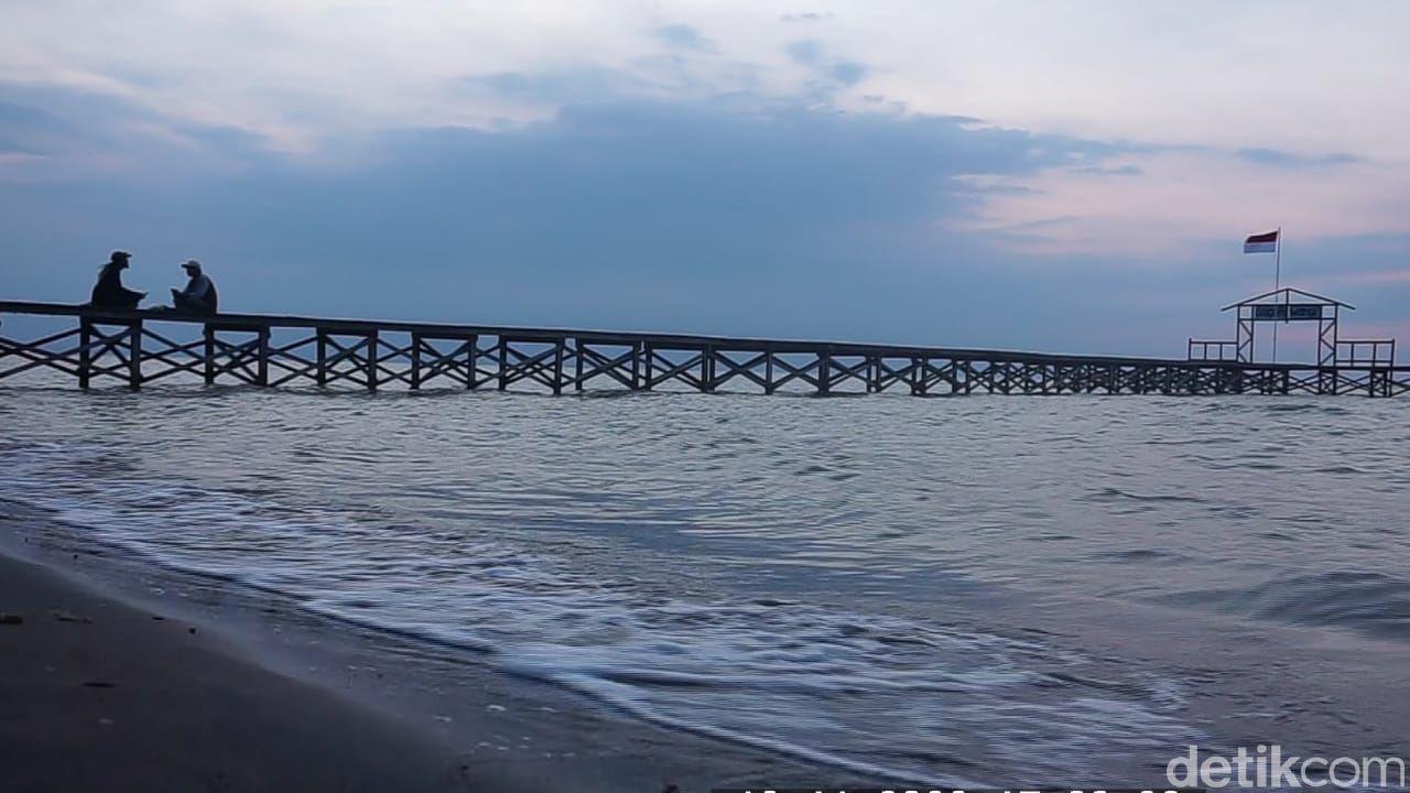Pantai Glagah Wangi di Demak