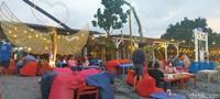 Raihan Wisata Tanjung Bias, yang terletak di Desa Senteluk Batulayar ini, tidak terlepas dari peran Pemerintah Desa Senteluk beserta TNI-Polri, dan unsur terkait lainnya. (Faruk Nickyrawi/detikcom)