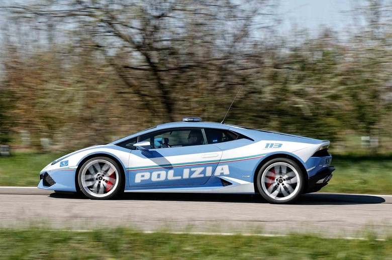 Polisi Italia Pakai Mobil Lamborghini buat Antar Donor Ginjal