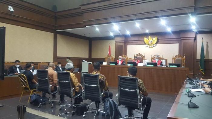 Abdul Basir Rifai (pojok kiri) jadi saksi di sidang Tommy Sumardi, Pengadilan Tipikot Jakarta, Selasa (17/11/2020).