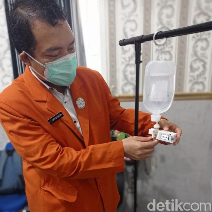 Kasus kematian tenaga medis akibat COVID-19 mencapai 6,5 persen di Indonesia. Tenaga medis kerap terpapar Corona saat monitoring terapi infus pasien.