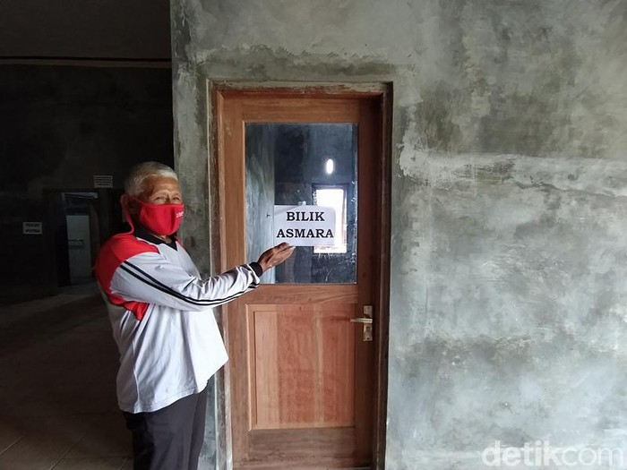 Bilik Asmara di Tempat evakuasi akhir (TEA) Deyangan, Kecamatan Mertoyudan, Kabupaten Magelang, Selasa (17/11/2020).