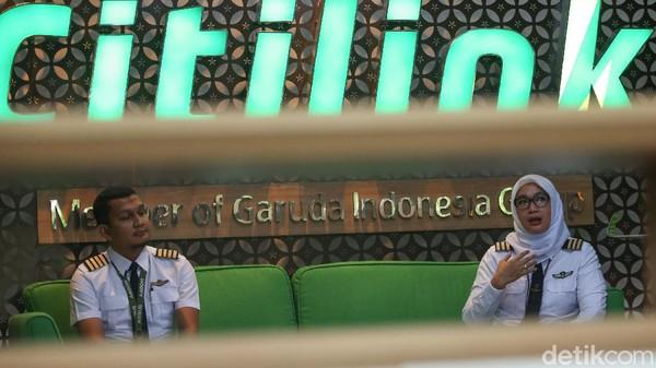 Misalnya saja Lion Air yang tak memperpanjang kontrak 2.600 karyawannya. Selain itu, Garuda Indonesia juga mengumumkan akan mengakhiri kontrak 700 karyawannya.