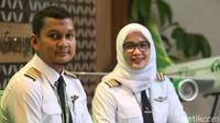 Kedua pilot itu juga mengungkapkan bahwa untuk sekarang gaji mereka masih cukup untuk membiayai kebutuhan sehari-hari. Berbeda dengan nasib pilot lainnya yang sampai harus mencari pendapatan tambahan dengan berbagai cara.
