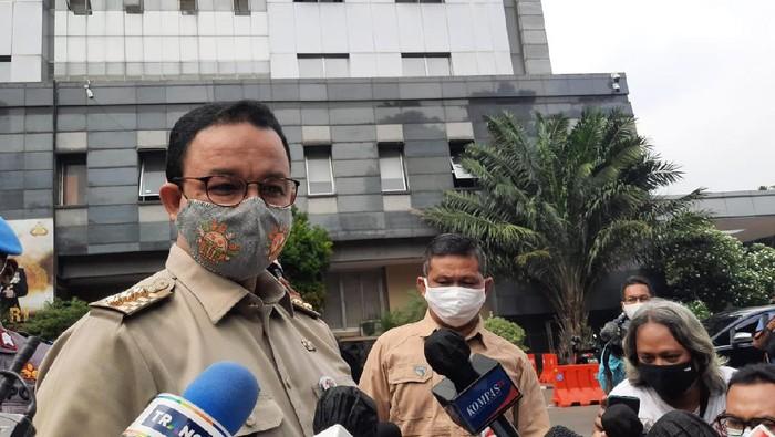 Gubernur DKI Jakarta Anies Baswedan penuhi panggilan Polda Metro Jaya untuk klarifikasi soal kerumunan di acara Habib Rizieq.
