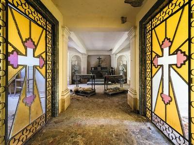 Deretan Gereja Terbengkalai di Eropa Dalam Bingkai Foto