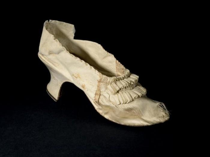 Sepatu Marie-Antoinette