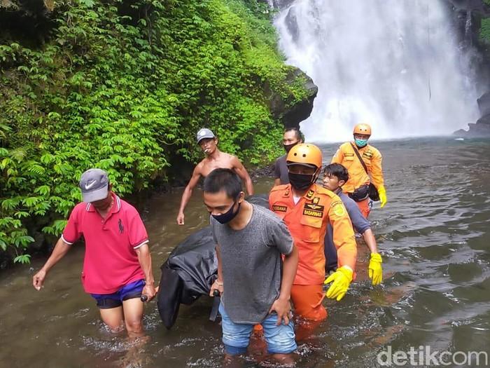 WN Argentina ditemukan tewas di sungai dalam hutan di kawasan Buleleng, Bali. Korban diduga mengalami depresi hingga kabur ke dalam hutan (dok Basarnas Bali)