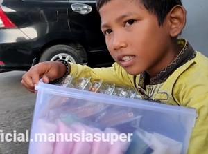 Inspiratif! Begini Perjuangan 5 Bocah Jualan Makanan Demi Bantu Orang Tua
