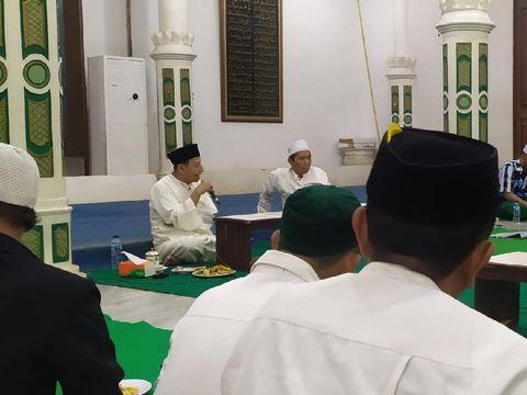 Habib Luthfi bin Yahya di gedung Kanzuz Sholawat, Pekalongan, Selasa (17/11/2020).