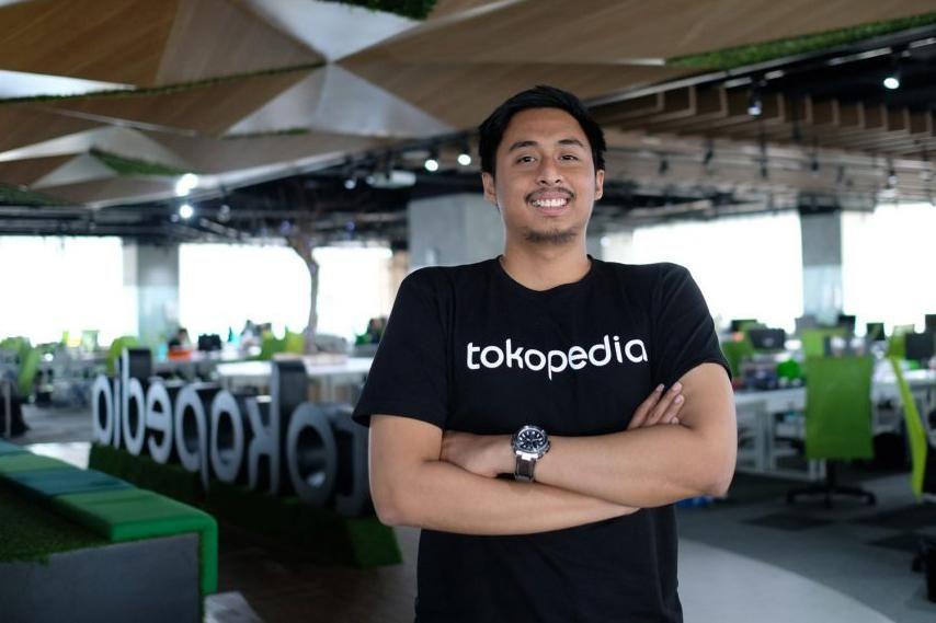 Head of Engineering Tokopedia, Rico Harisin merupakan salah satu software engineer yang terlibat dalam membangun aplikasi Android Tokopedia dari nol. Rico bersama 45 tim software engineer yang dipimpinnya bertanggung jawab untuk menghadirkan berbagai inovasi digital pada aplikasi Android Tokopedia.