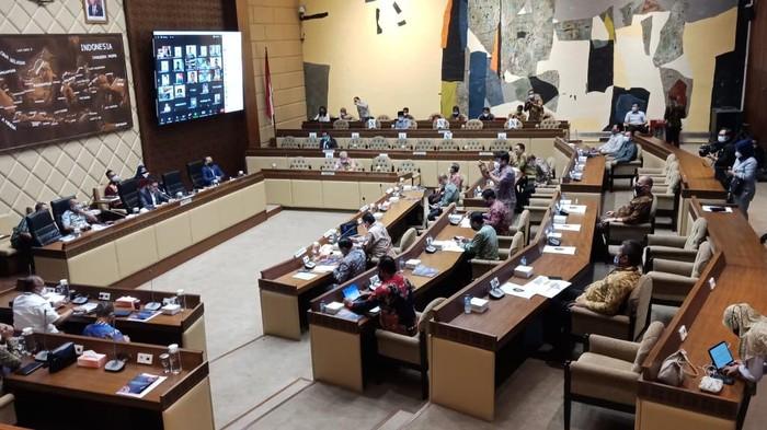 Komisi II Gelar Rapat Bahas Persiapan Pilkada Serentak 2020