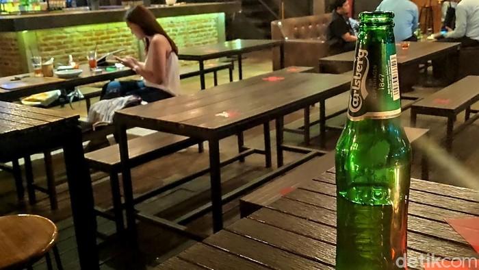 RUU Larangan Minuman Beralkohol jadi salah satu RUU yang masuk dalam Prolegnas Prioritas 2021. RUU ini sendiri pun picu kontroversi di kalangan masyarakat.