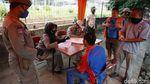 Menjaring Pengendara Tidak Bermasker di Cakung Jakarta