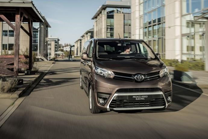 Mobil Listrik Toyota Proace Verso Electric