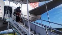 Akhirnya proses persalinan penumpang termasuk penanganannya tersebut berjalan normal, dan dilakukan di kursi bagian belakang. (dok. Lion Air)
