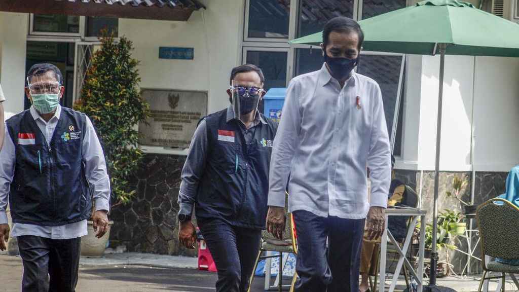 Jokowi Minta Kepastian Vaksin Corona Sampai di RI: Mestinya Sudah Pembayaran